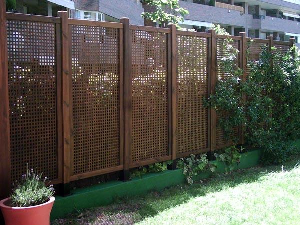Cerramientos jardines expertos en espacios exteriores en for Celosia de madera para jardin