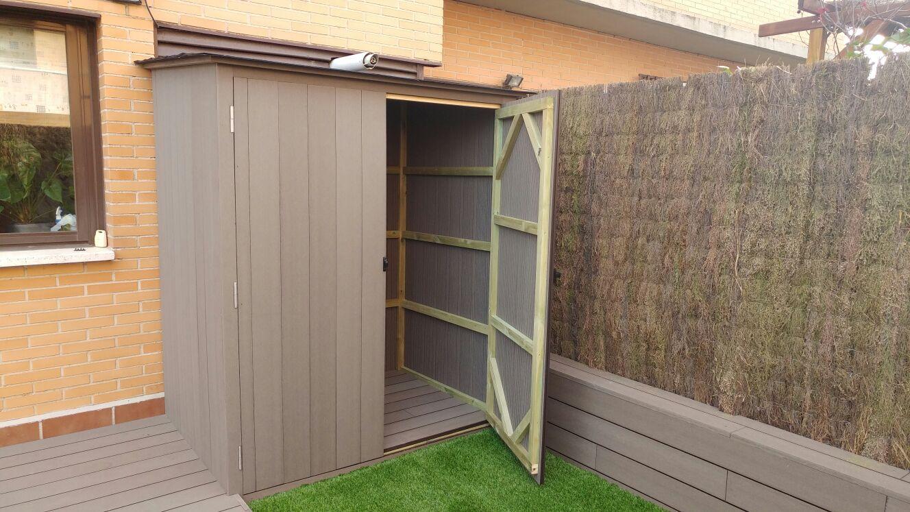 Carpinter a exterior tarima de madera y sint tica madrid for Armario para patio