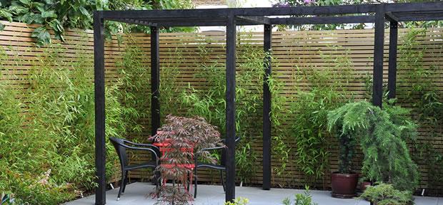 Cerramientos jardines -madera y plantas